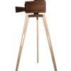 Klasszikus barna három lábú kamera fából